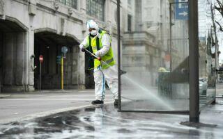 Чем и как дезинфицируют улицы и дороги — опасно ли это вещество