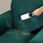 липкий ролик против кошачьей шерсти на мебели